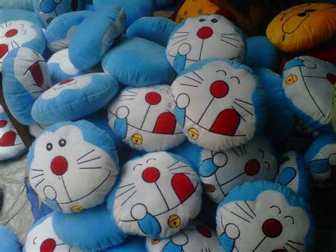 Bantal Doraemon Emoticon 1 bantal doraemon dari devaque clamel house di