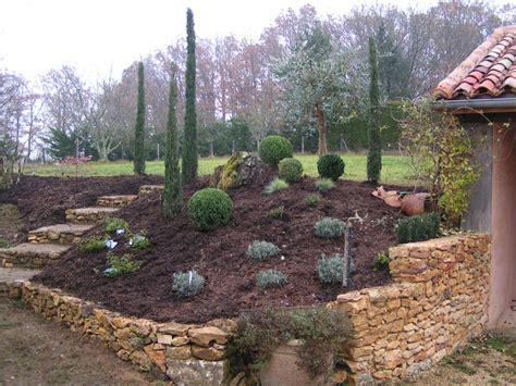 Amenagement Jardin Pente by Paysagiste Terrain En Pente Amenagement Jardin Nord