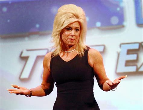 Long Island Medium Clothes | theresa caputo clothing style long island medium nails