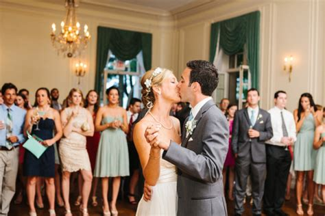 glen manor house wedding classic rhode island wedding elizabeth anne designs the wedding blog