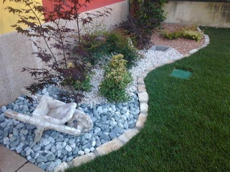 giardino di sassi foto aiuola sassi di decorex disegno e giardinaggio