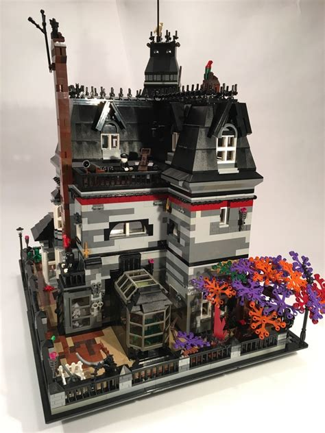 Set Family 06 1 lego ideas family mansion reaches 10 000 votes