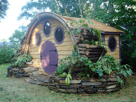 pictures of hobbit houses the renaissance hobbit houses and chicken coops