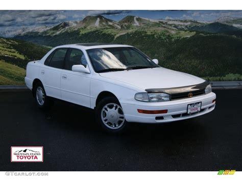 1994 toyota camry sedan 1994 white toyota camry xle v6 sedan 55137956