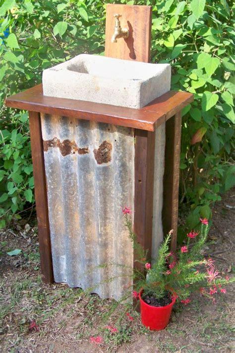 Outdoor Garden Sinks by Best 25 Garden Sink Ideas On Outdoor Garden