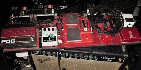 jack whites white stripes pedal board guitars  dig em pedalboard guitar pedals