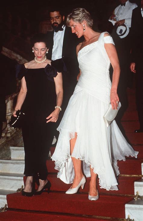 Dianas Dress Sells For 60000 by Princess Diana See Gowns She Sold For Charity Before