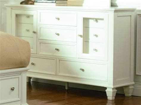 sandy beach white bedroom furniture coaster sandy beach dresser in white 201303 clearance