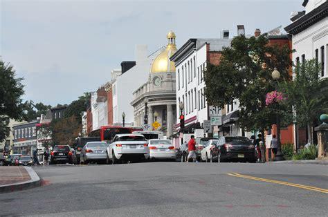 Georgetown Time Mba by Georgetown Widens Sidewalks For Weekend Foot Traffic Wtop