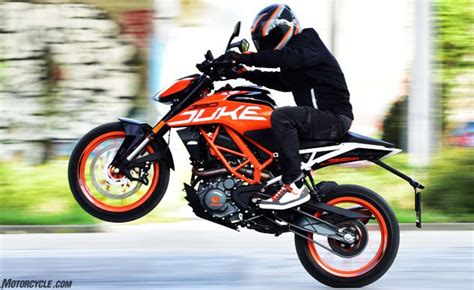 2017 KTM 390 Duke Review   Motorcycle.com