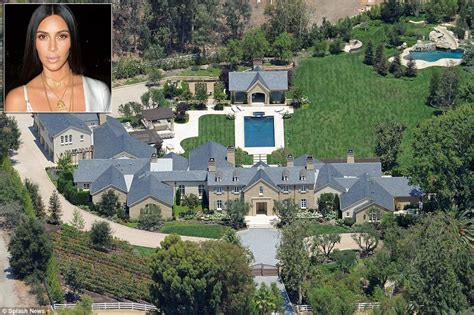 angelina jolie house angelina jolie moves into hidden hills where she ll count