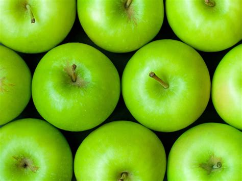 apple green wallpapers green apples wallpapers