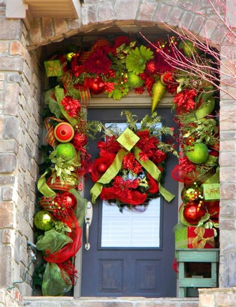 5 great christmas decoration options for your front door