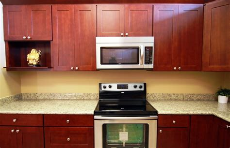 shaker cherry kitchen cabinets dkbc cherry shaker oak kitchen cabinets g12 dkbc kitchen