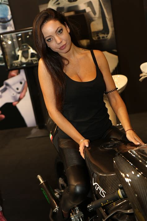 Motorradmesse Eicma 2017 by Eicma 2017 Girls 65 293