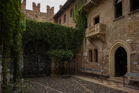 balcony theme romeo and juliet the walls and city of verona william stewart