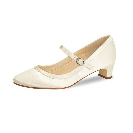 Ivory Farbene Schuhe by Larissa Brautschuh Versand