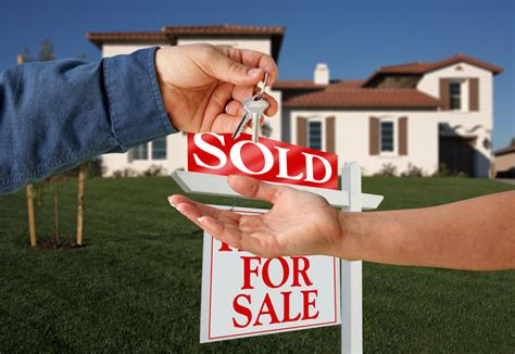 do realtors buy houses real estate agents in chicago sell or short sale your