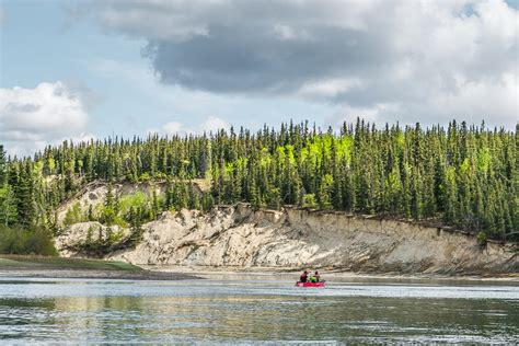 yukon canoes wilderness adventure our yukon river canoe trip