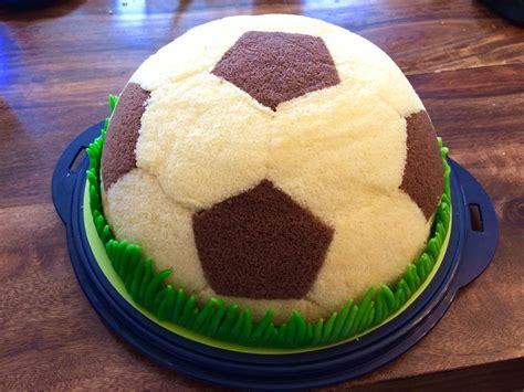 fussball kuchen rezept fu 223 mit maulwurfkuchen f 252 llung
