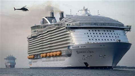 what is the biggest cruise ship in the world world s largest cruise ship harmony of seas docks at uk