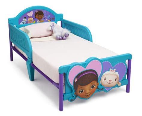 Doc Mcstuffin Toddler Bed Set Doc Mcstuffins Bedding For The Cool