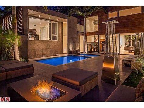 meryl streep house the pool meryl streep sells home to a rod lonny
