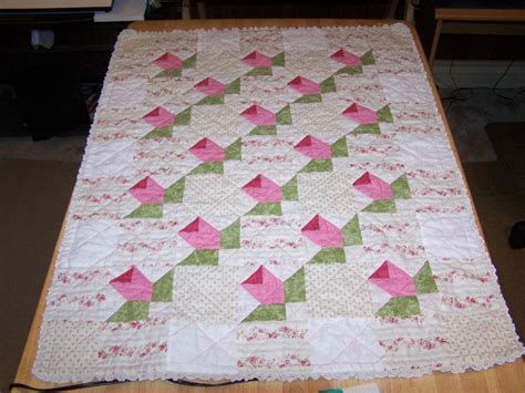 What Size Is A Baby Quilt by Baby Rosebud Quilt Crib Size By Rphillipsstudio Craftsy