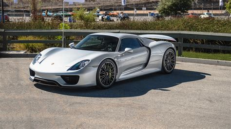 porsche 918 wallpaper porsche 918 spyder wallpapers pictures images