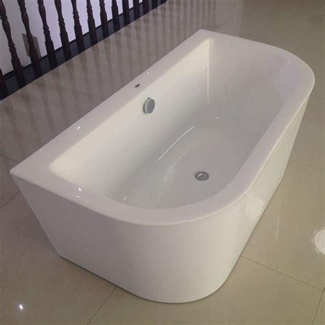 freistehende badewanne an wand gegen die wand badewanne freistehende acryl badewanne