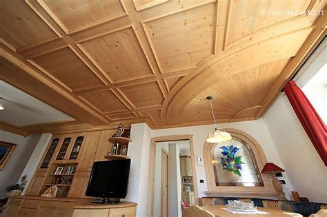 soffitto cassettoni legno legno disegno soffitto il meglio design degli interni