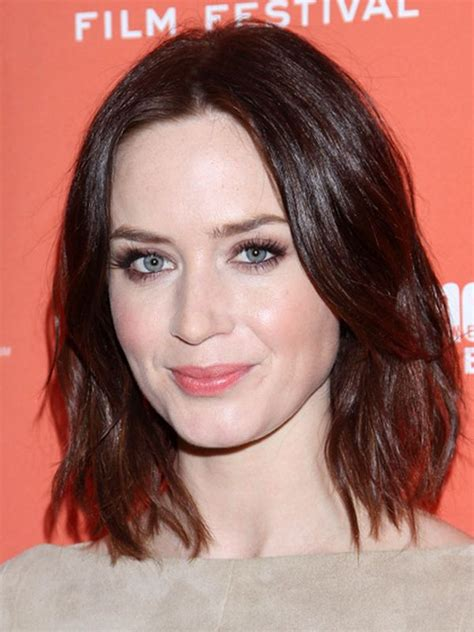 haircuts for oval face medium length best women s hairstyles for oval shaped faces