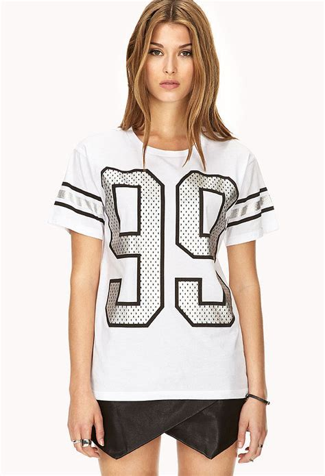 T Shirt 21 forever 21 jersey t shirt for forever 21 s 30th birthday let s shop 30 amazing pieces
