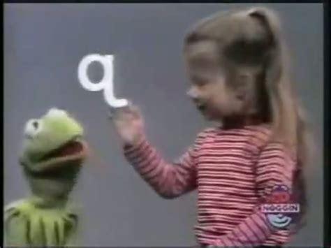 hot chick on sesame street kermit a little girl sings the alphabet 1funny