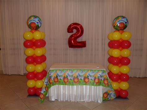 Jungle animals party decorations by teresa