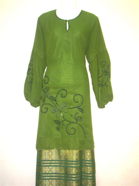 Kain Baju Kurung Melayu pakaian tradisional