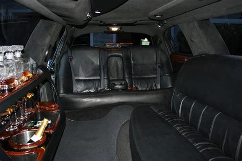 lincoln town car   stretch  passenger limo rental apex limousine