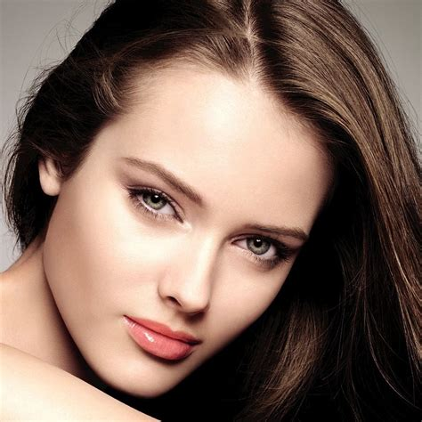 beautiful women faces guide to applying makeup for your beautiful faces