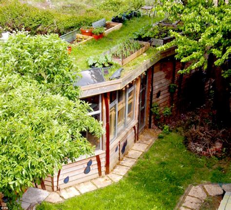 shed   year  winner  solar powered eco shack