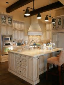 how to antique white kitchen cabinets antique white cabinets houzz