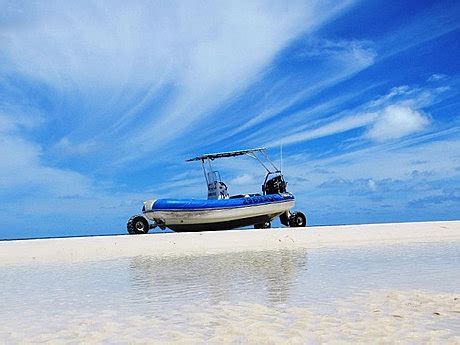 catamaran hire fraser island remote fraser island tour tours to go