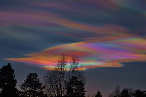 rainbow cloud stunning rainbow clouds spotted in sky ireland