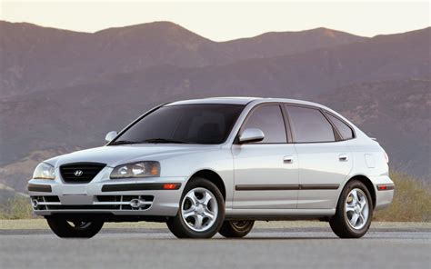 2004 Hyundai Elantra Gt by 2004 Hyundai Elantra Gt Photo 6