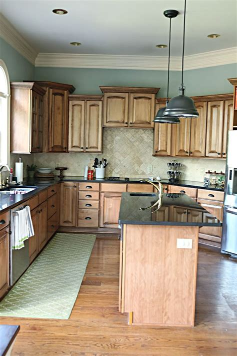 Kitchen Colors With Brown Cabinets by Best 25 Kitchen Colors Ideas On Pinterest Kitchen Paint