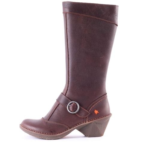 oteiza womens boots in brown