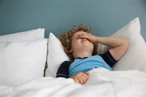 bambino 6 anni pipi a letto fa ancora la pip 236 a letto nostrofiglio it