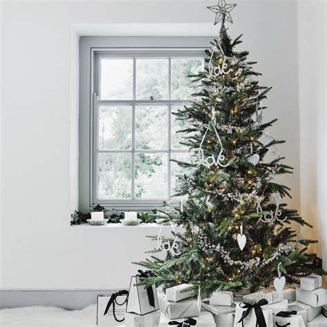 dekoideen weihnachtsbaum weihnachtsb 228 ume dekorieren und pflegen