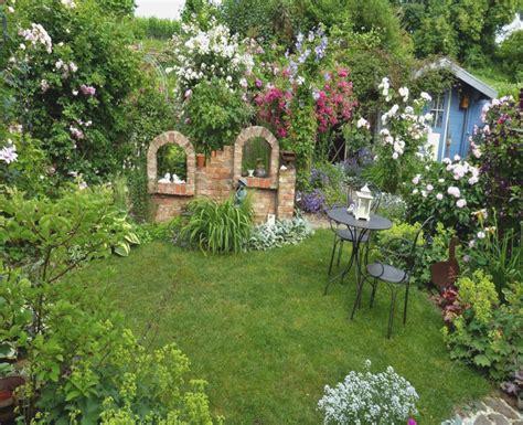 kleingarten ideen kleingarten gestalten ideen in rosa treefunder co