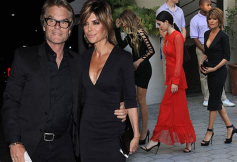 how does lisa rinna stay skinny video lisa rinna fuels rumors she s popping pills to
