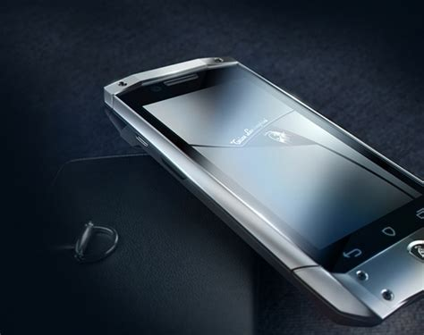 Leather and Steel: Overview Luxury smartphone Tonino